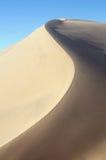 瓷taklamakan沙漠的沙丘 库存照片