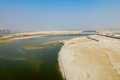 甘加在印度- Kumbha Mela节日的举行的最大的宗教集会的河堤防,地方鸟瞰图  库存图片