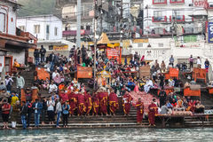 甘加河堤防的人们, Har Ki保里 Har Ki保里是在恒河的银行的一著名ghat在赫尔德瓦尔 库存图片