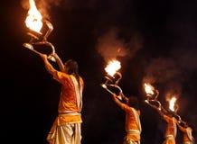 甘加Aarti仪式在瓦腊纳西 免版税图库摄影
