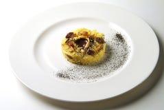 甜印度大米乳蛋糕用巧克力和果子 免版税库存照片