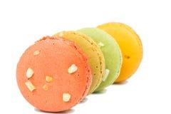 甜和五颜六色的法国蛋白杏仁饼干或macaron 库存照片