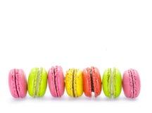 甜和五颜六色的法国蛋白杏仁饼干或macarons 库存照片