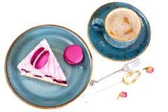 甜和五颜六色的蛋糕用法国蛋白杏仁饼干 库存图片