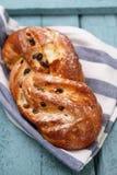 甜小圆面包用葡萄干 免版税库存照片
