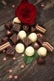 甜巧克力果仁糖和英国兰开斯特家族族徽 免版税库存图片