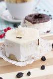 甜开胃新鲜的水果蛋糕 免版税库存图片