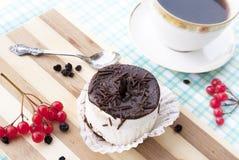 甜开胃新鲜的水果蛋糕 图库摄影