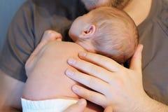 甜新出生的婴孩 库存图片