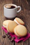 甜曲奇饼和咖啡 免版税图库摄影