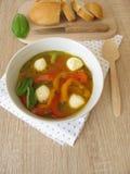 甜椒汤用无盐干酪 库存照片