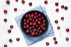 甜樱桃台式视图 免版税库存图片