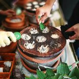 甜泰国传统椰子举行 库存照片