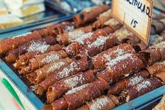 甜浆糊在街道食物节日滚动 免版税库存照片