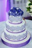 甜点为婚姻的桌服务 库存图片