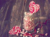 甜点为情人节 库存图片