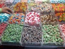 甜点义卖市场耶路撒冷mahane jehuda腐烂gelb咖喱混合了调味料 免版税库存照片