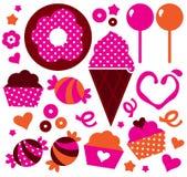 甜点在情人节设置的被仿造的蛋糕 免版税库存图片