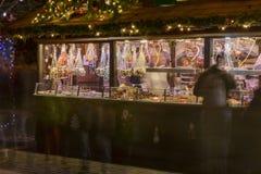 甜点摊位在Xmas市场,斯图加特上 免版税库存图片