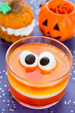 甜玉米果冻用蛋白软糖注视-乐趣食物万圣夜reci 免版税图库摄影