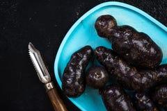 甜紫色土豆,顶视图 图库摄影