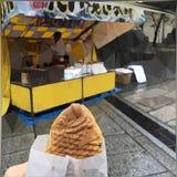 甜红豆被填装的鱼型蛋糕taiyaki 库存图片