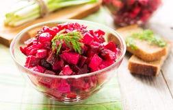 甜菜根沙拉用红萝卜和土豆 库存图片
