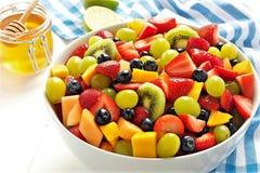 甜蜂蜜水果的沙拉 库存照片
