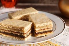 甜蜜乳脂状,传统匈牙利酥皮点心 免版税库存照片