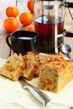 甜面包用芒果和橙色果酱 免版税库存照片
