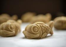 甜鱼形状的薄煎饼 库存照片