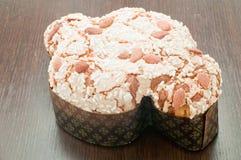 甜鸠,典型的甜意大利语在复活节期间 库存照片