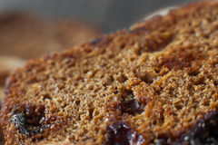 甜黑麦小圆面包用葡萄干,特写镜头 库存图片
