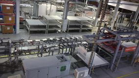 生产传动机,传动机线,传送带,陶瓷砖,窑firin,生产内部, Cer 股票视频