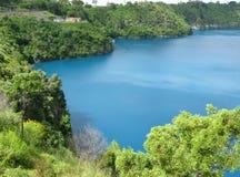 生动的蓝色湖 库存图片