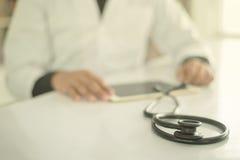 医生和听诊器 库存照片