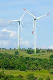 生态能源生成器绿色风车 库存照片