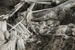 生态问题,灾害 萤光汞灯犯罪处置, E废物 危机生态学环境照片污染 生态罪行 免版税图库摄影