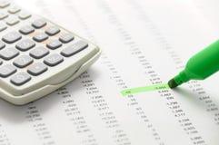 生意人判断财务显示 免版税库存照片