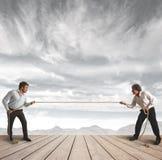 生意人挑战绳索 免版税图库摄影
