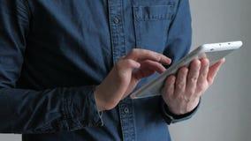 生意人数字式片剂使用 影视素材