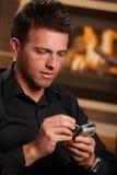 生意人特写镜头移动电话使用 免版税库存图片