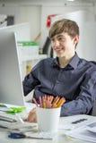 生意人运作的年轻人 免版税库存照片