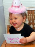 生日女孩做一张滑稽的面孔 库存照片