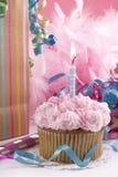 生日杯形蛋糕一年 免版税库存照片