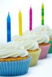 生日杯形蛋糕行 免版税图库摄影