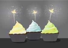 生日杯形蛋糕-单色图象 库存照片