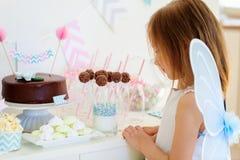 生日聚会的小神仙 免版税库存照片