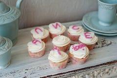 生日聚会的蛋糕 免版税库存图片