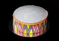 生日蛋糕& x28; 形状喜欢hat& x29;乳香树脂和样式在blac 免版税库存照片